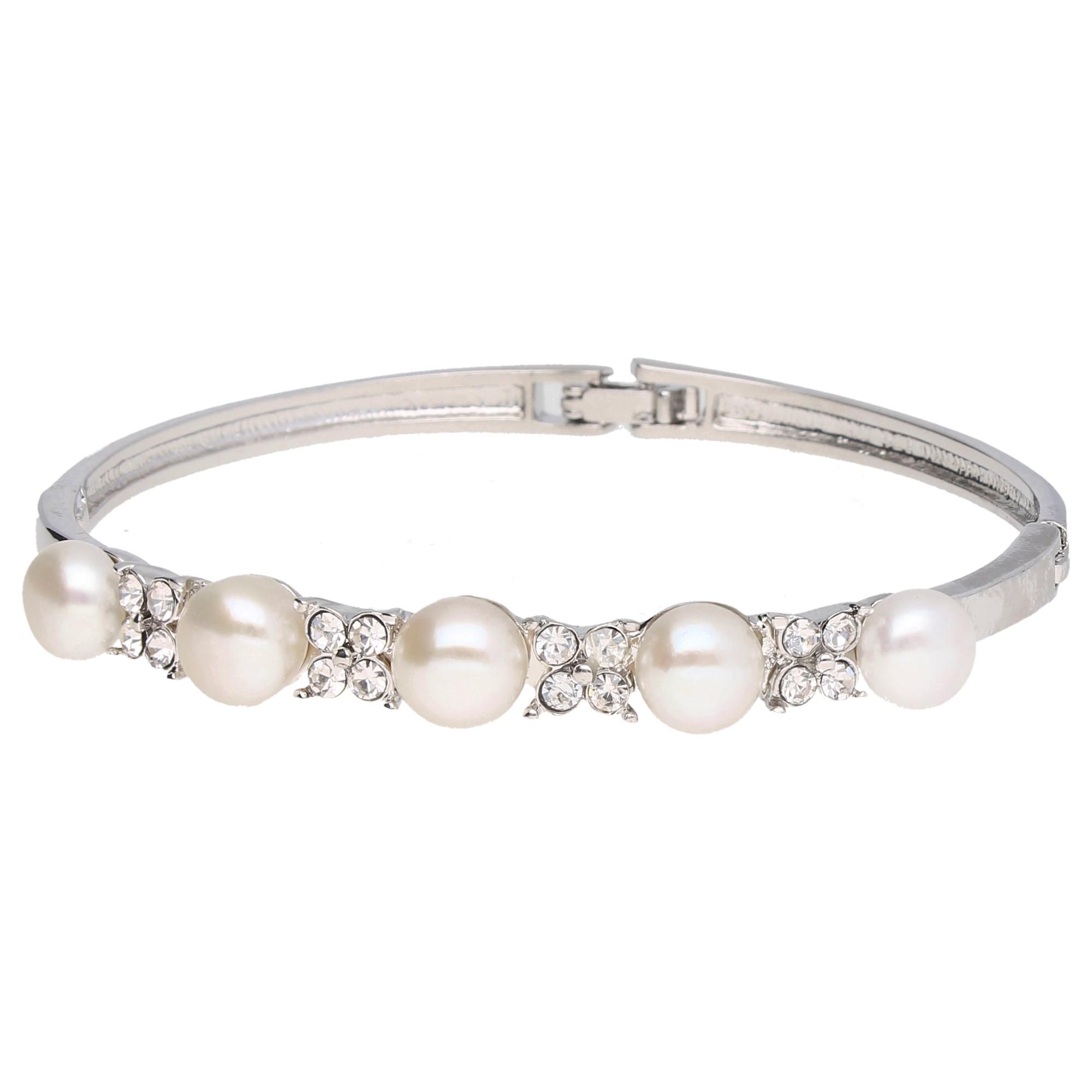 mit weißen Süßwasser-Perlen und weißen Kristallsteinen